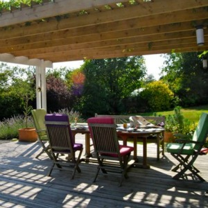Barnfield House Kent holiday rental pergola